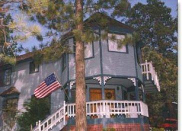 Carolyns Cottage B & B