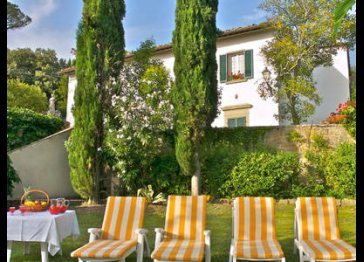 Luxury independent Villas sleep 6 and with cottages in Tuscany