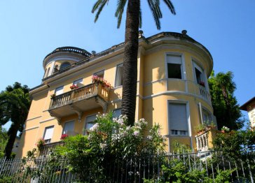 NUOVA RIVIERA Bed & Breakfast