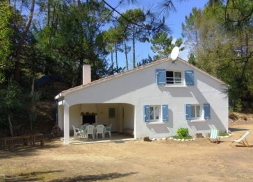 """""""Les Bambis"""" Seaside Family Holiday House"""