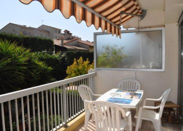Charming 2 rooms renovated, terrace