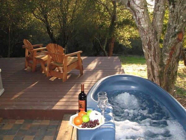 Private Hot Tub & Deck
