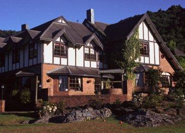Springbrook Mountain Manor