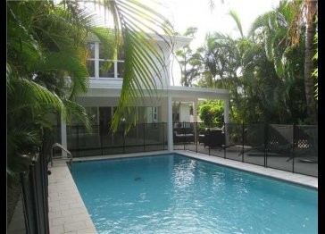 Large charming 3 Bedroom Pancoast designed Miami Beach