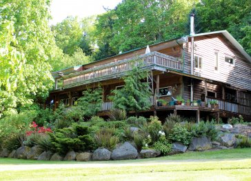 Hummingbird Lodge B&B, Gabriola Isl., B.C.