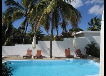 Guest house set opposite the Flic en Flac Beach