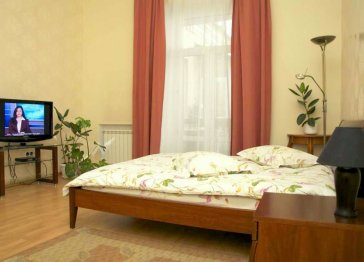 Apartment near Golden Gates, city centre