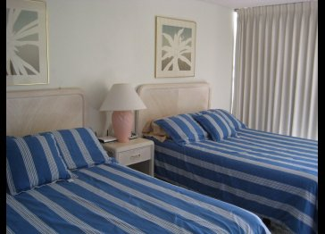 (Waikiki) 25th floor, Quality Studio Condo, Near Beach!