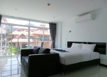 Pool View Condominium  on Pratumnak Hill , Pattaya