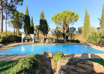 Charming Villa with pool in Tuscany vineyards