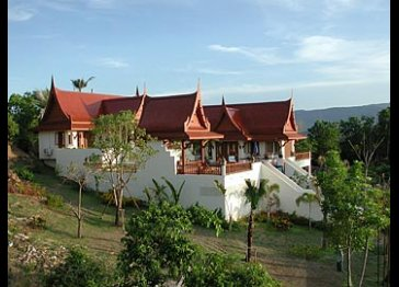 Villa Medicis- luxurious contemporary Thai villa overlooking Big Buddha Bay