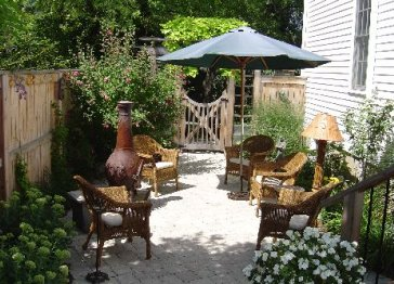 Hilltop Manor Hot Tub & Garden Retreat