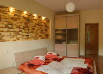 Two room apartment on Kreschatik