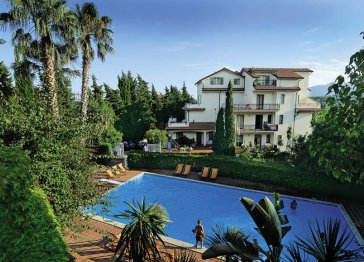 Self Catering Apartments with swimmingpool