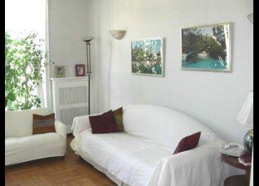 MILANO. Beautiful large apartment, top floor, close to subway
