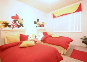MINNIE AND MICKEYS PAD - LUXURY 3 BED, 2 BATH VACATION HOME