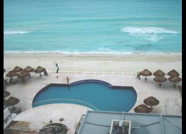 Nice Cancun Beachfront Condo, Slp.6, $80+