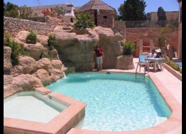 Tranquil Holiday Accommodation / Villa - Swimming Pool in Malta.