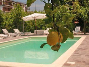 Sorrento apartment with pool (B201)