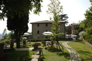 Tavola dei Cavalieri (farm holiday estate)