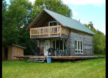 Very Private 2br log cabin on 150acres