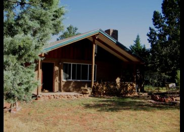 Sedona Cabin with Cathedral Rock View/Walk to Oak Creek