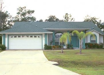 4 Bed 3 Bath Pool Home with Internet