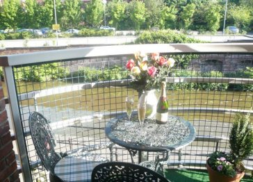 4* GOLD Wharton Lock Apartment with Balcony