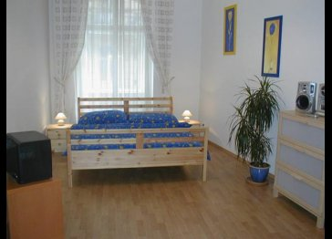 Navratilova two room apartment