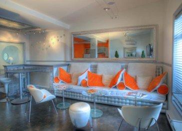 Jacuzzi Lounge 1807