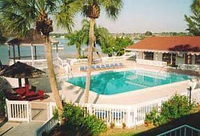 Great Rates! 2bdrm condo w Private Bay Beach and Pools!