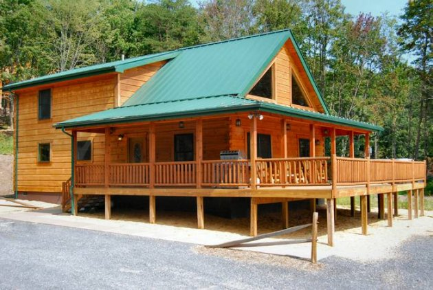 Log Cabin Vacation Home Rental Shenandoah Valley Luray | Luray, Virginia,  USA