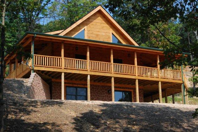 Log cabin luray caverns shenandoh valley gameroom hot tub for Cabin rentals near luray va