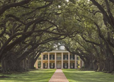 Oak Alley Plantation, Restaurant & Inn