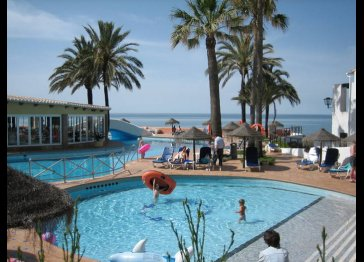 Dona Lola Resort