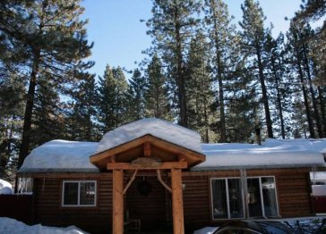 Bernie's Place Log Cabin Vacation Rental
