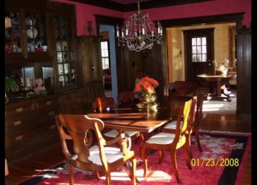 ANTIQUE GEM--7+ beds, 5.5 bths, 5 WB F/Ps on 2 acres!!!