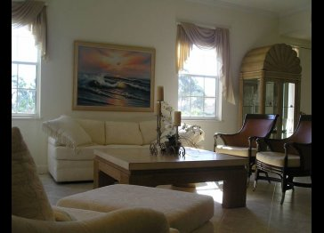 Golf/marina  furnished condo
