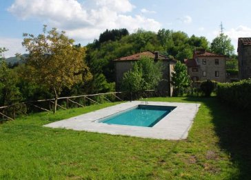 Lovely country house near Lucca