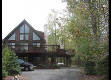 Charming Chalet with Huge Deck and Hot Tub