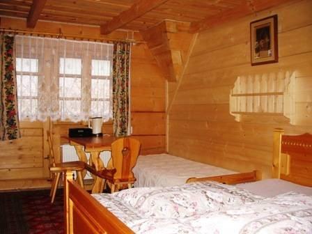 Bedroom, sleeps 4