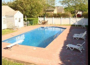 SOUTHAMPTON VILLAGE CHARM with Heated POOL