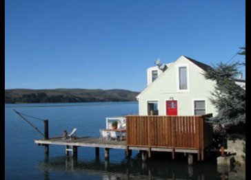 Bayglow Cottage on Tomales Bay