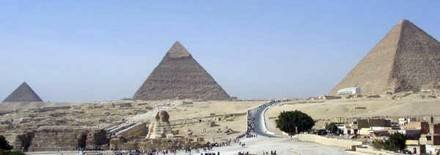In our flat you will be only 2 mins walking from one of the greatest seven wonders in the world
