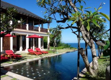 Villa Awang front of the Beach and Ocean View