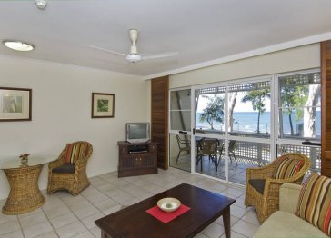 On Palm Cove Beachfront Apartments