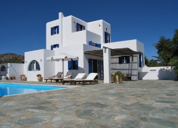 Luxurious villa in Antiparos with private pool