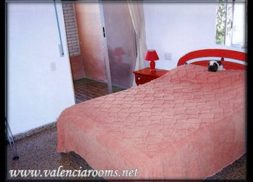 Valencia Vacation/ holiday rentals rent fully-equipped rooms