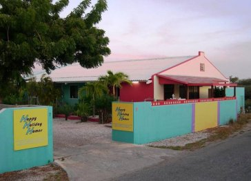 BONAIRE HAPPY HOLIDAY HOMES, nearby the sea.