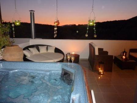 Rhodes villa with pool and jacuzzi lindos south aegean for Terrace jacuzzi